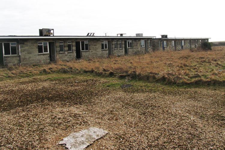 Atherfield_Bay_Holiday_Camp-Rows_Of_Chalets