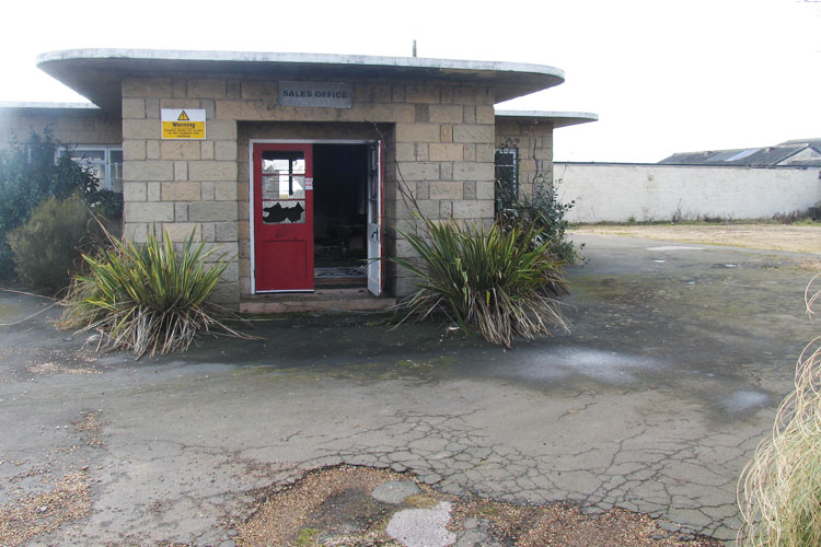 Atherfield_Bay_Holiday_Camp-Sales_Office